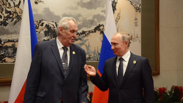 Zeman és Putyin Pekingben  újságírók likvidálásán viccelődött. Fotó: info.cz