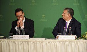 Vezető képünkön Varga Mihályt és Orbán Viktort látják. Jórészt a koronavírus volt a fő téma az MKIK keddi gazdasági évnyitó budapesti konferenciáján, 2020. március 10. Fotó: MTI/Koszticsák Szilárd